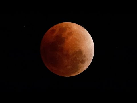 Watch live : nasa shows the blood moon from different countries all over the world