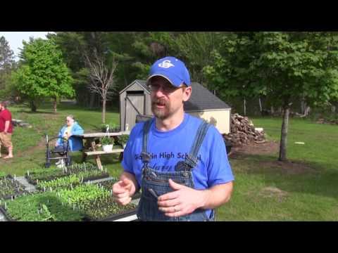 Michigan high school students grow & sell plants to fund botany program